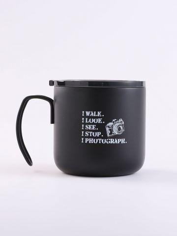 כוס לשתייה חמה עם הדפס כיתוב של FUNKY FISH