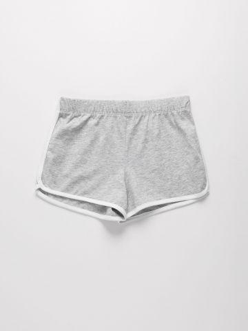 מכנסיים קצרים עם שוליים מודגשים / בנות של THE CHILDREN'S PLACE