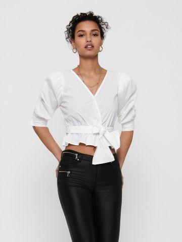 חולצת קרופ עם קשירה של ONLY