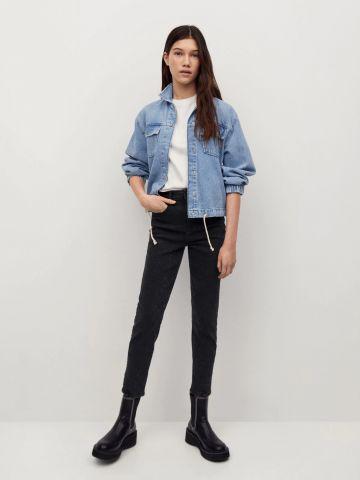 ג'ינס סלים באפקט סאטן של MANGO