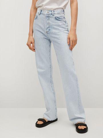 ג'ינס מתרחב בשטיפה בהירה של MANGO