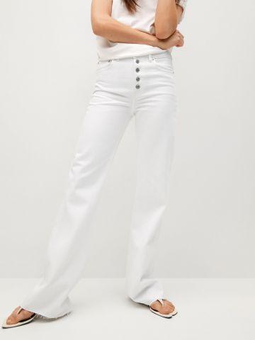 ג'ינס לבן מתרחב של MANGO