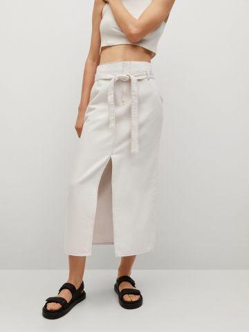 חצאית ג'ינס מידי עם חגורה של MANGO
