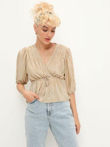 חולצת פליסה מעטפת בגימור מבריק של YANGA