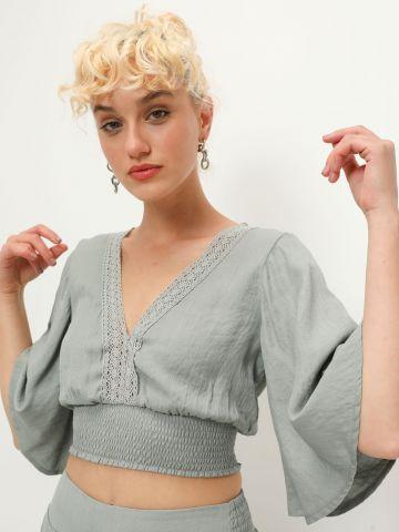 חולצת קרופ בשילוב תחרה של YANGA
