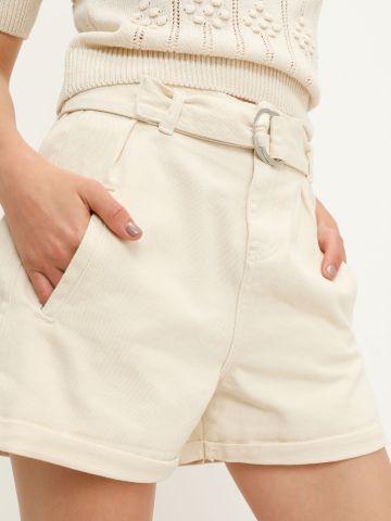 ג'ינס קצר עם חגורת מותן של YANGA