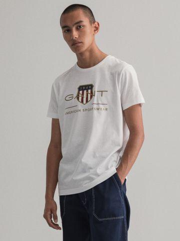 טי שירט עם הדפס לוגו של GANT