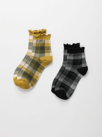 מארז 2 זוגות גרביים בדוגמת משבצות / נערות של QUESTION MARK