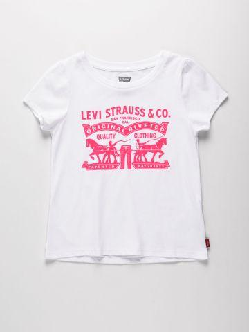 טי שירט עם הדפס לוגו / בנות של LEVIS