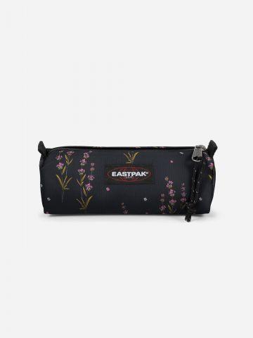 קלמר בהדפס פרחים ולוגו של EASTPAK