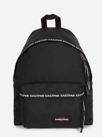 תיק גב עם לוגו רץ של EASTPAK