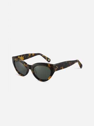 משקפי שמש חתוליים / נשים של XRAY