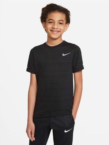 חולצת אימון דריי-פיט עם הדפס לוגו של NIKE