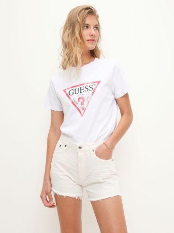 ג'ינס קצר סיומת פרומה / נשים של GUESS