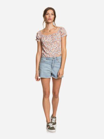 מכנסי ג'ינס קצרים עם סיומת פרומה של ROXY