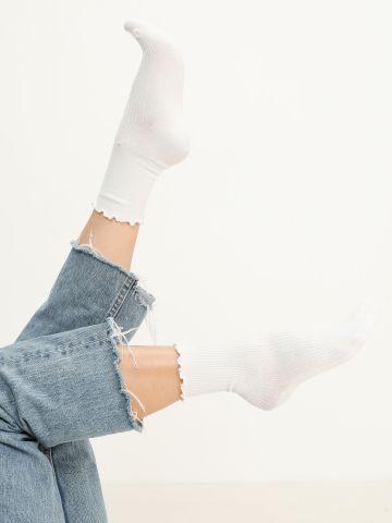 זוג גרביים בסיומת שוליים גליים / נשים של YANGA