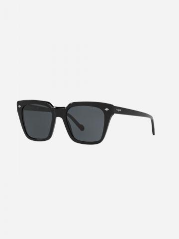 משקפי שמש מרובעים של vogue eyewear