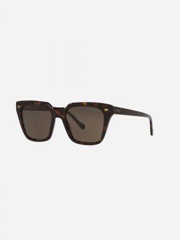 משקפי שמש מרובעים בהדפס חברבורות של vogue eyewear