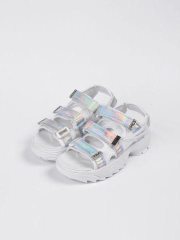 סנדלים עם רצועות הולוגרפיות / TEEN של FILA