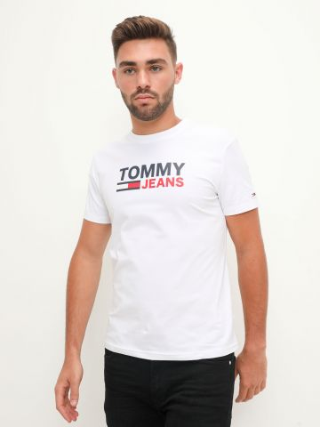 טי שירט עם לוגו של TOMMY HILFIGER