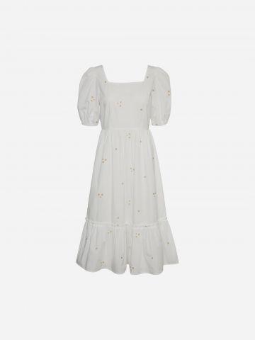 שמלת מקסי בשילוב רקמה / Plus size של VERO MODA