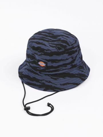 כובע באקט בהדפס עם לוגו של DICKIES