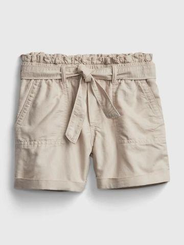 מכנסיים קצרים עם קשירה / בנות של GAP
