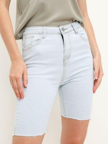 ג'ינס בייקר בסיומת גזורה של YANGA