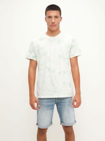 מכנסי ג'ינס ווש קצרים של GUESS