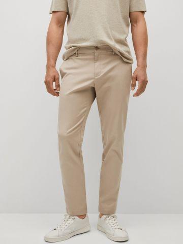 מכנסי צ'ינו בגזרת קרופ של MANGO