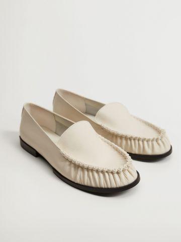 נעלי מוקסין מעור / נשים של MANGO