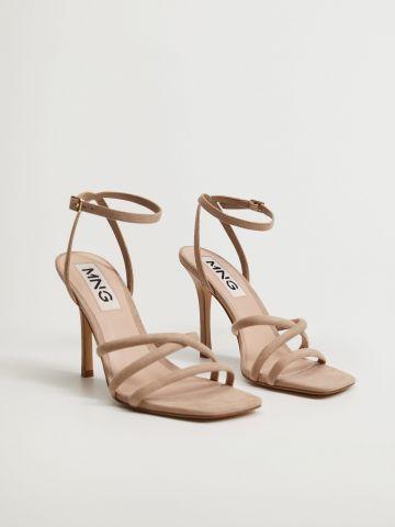 נעלי עקב עם רצועות מצטלבות / נשים של MANGO