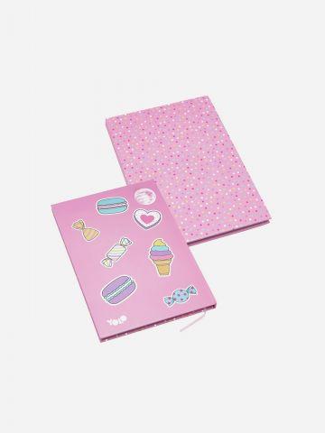 מחברת ריחנית בהדפס ממתקים של YOLO