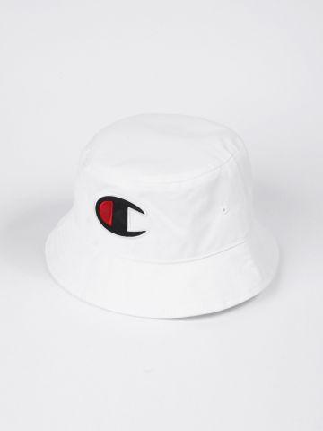 כובע באקט עם לוגו של CHAMPION