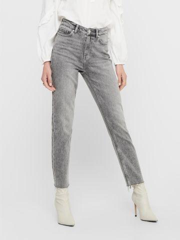 מכנסי ג'ינס עם סיומת גזורה של ONLY