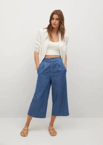 ג'ינס קרופ בגזרה מתרחבת של MANGO
