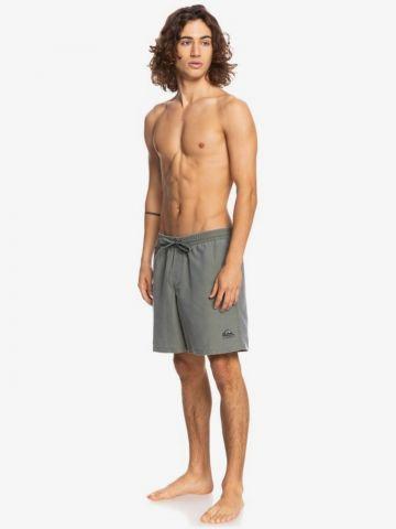 מכנסי בגד ים עם לוגו של QUIKSILVER