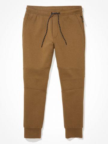 מכנסיים ארוכים בסיומת מג'נטים / גברים של AMERICAN EAGLE