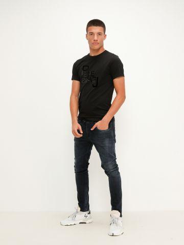 ג'ינס בשילוב שפשופים של PEPE JEANS