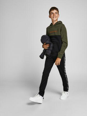 מכנסיים ארוכים עם לוגו רץ / TEEN של JACK AND JONES