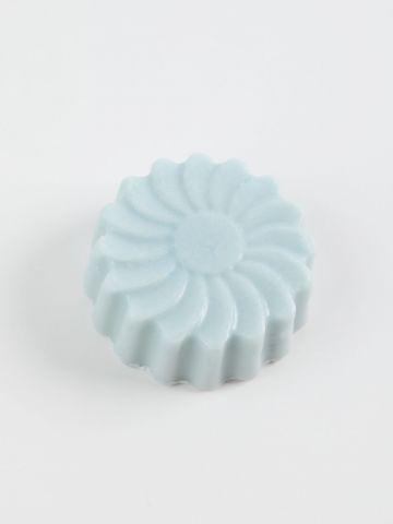 סבון מוצק בדוגמת פרח של FOX HOME