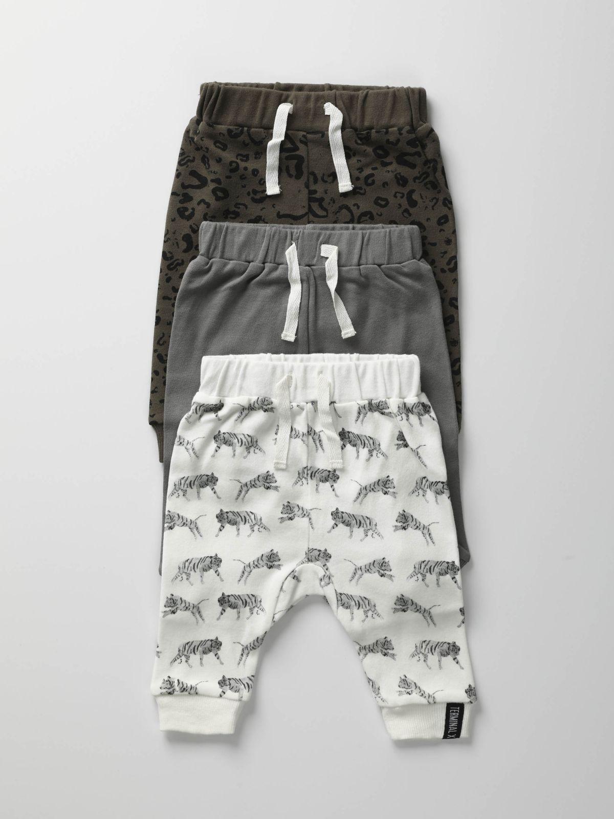 מארז 3 מכנסיים בהדפסים שונים / בייבי בניםמארז 3 מכנסיים בהדפסים שונים / בייבי בנים של TERMINAL X KIDS