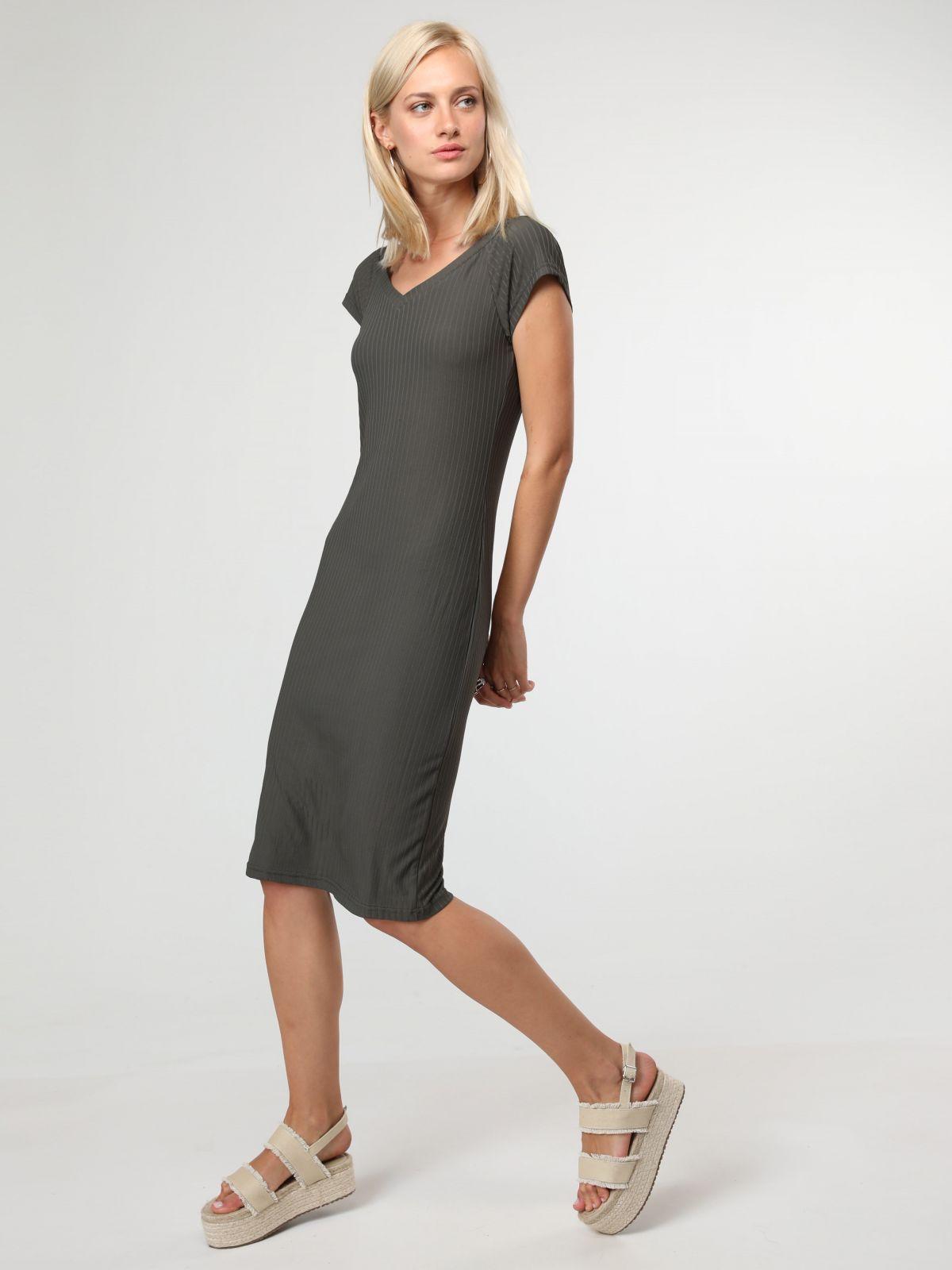 שמלת מידי ריבשמלת מידי ריב של TERMINAL X