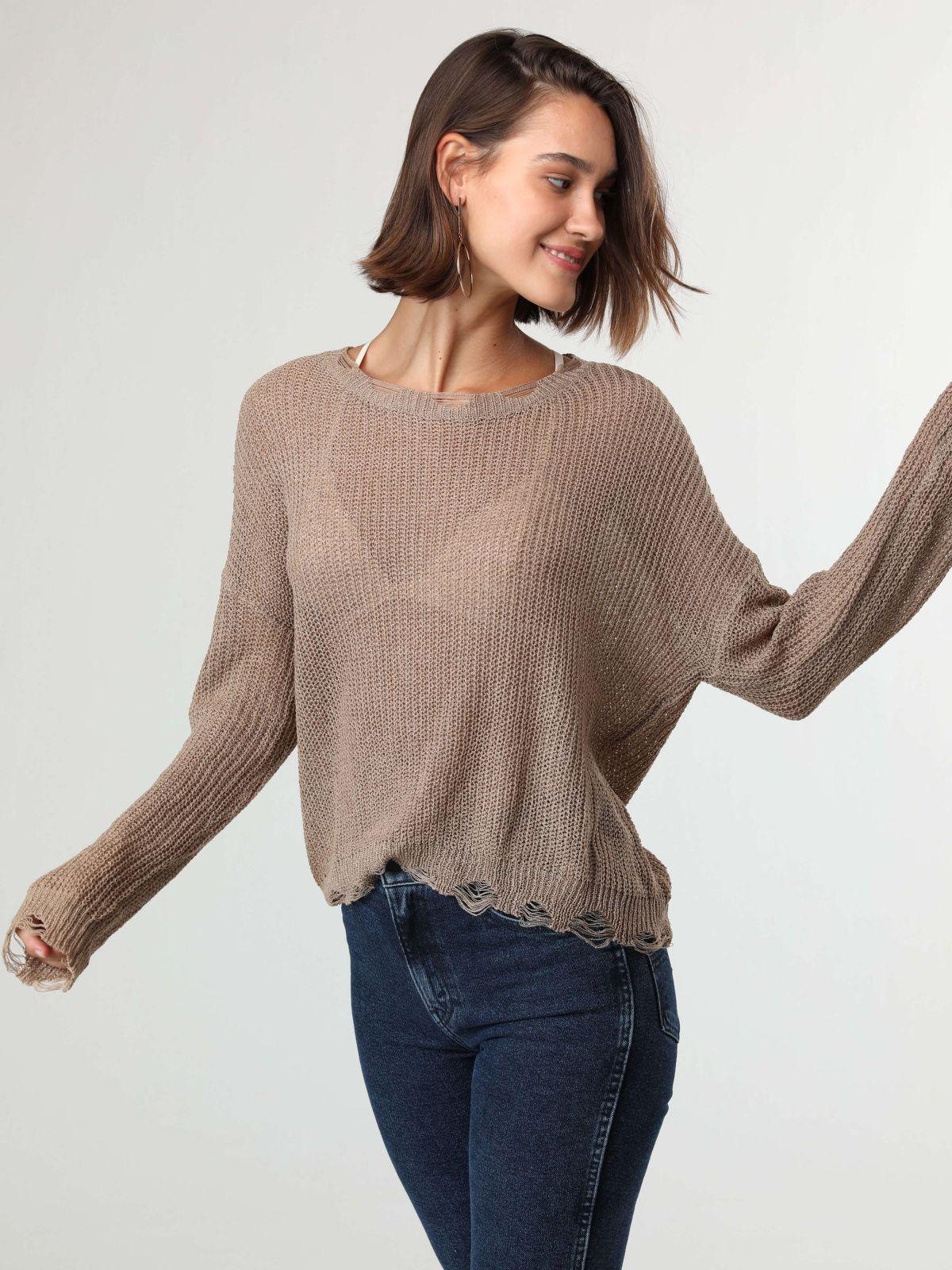 חולצת סריג שקופה עם סיומת קרעיםחולצת סריג שקופה עם סיומת קרעים של TERMINAL X