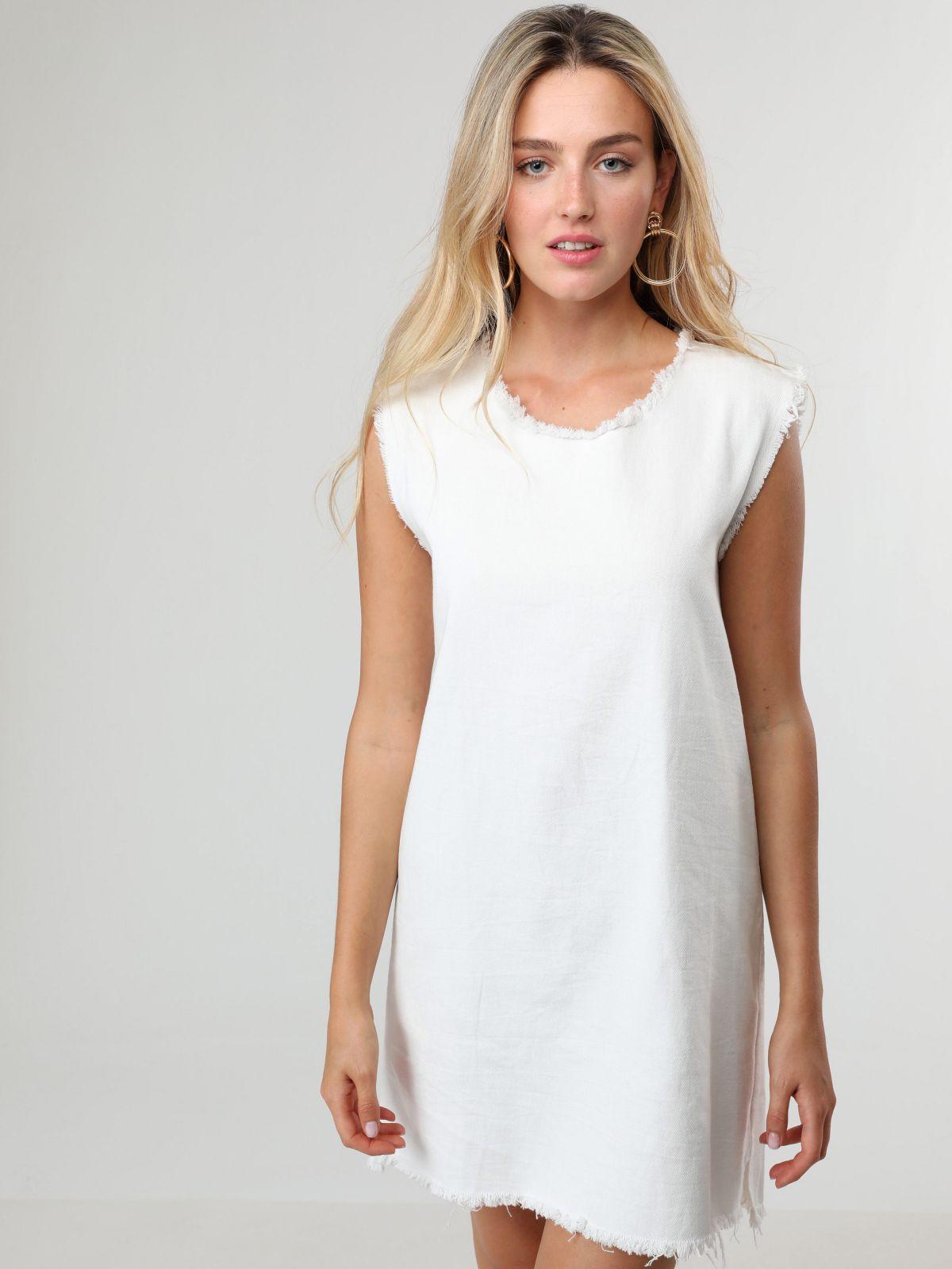 שמלת ג'ינס מיני עם שוליים פרומיםשמלת ג'ינס מיני עם שוליים פרומים של TERMINAL X