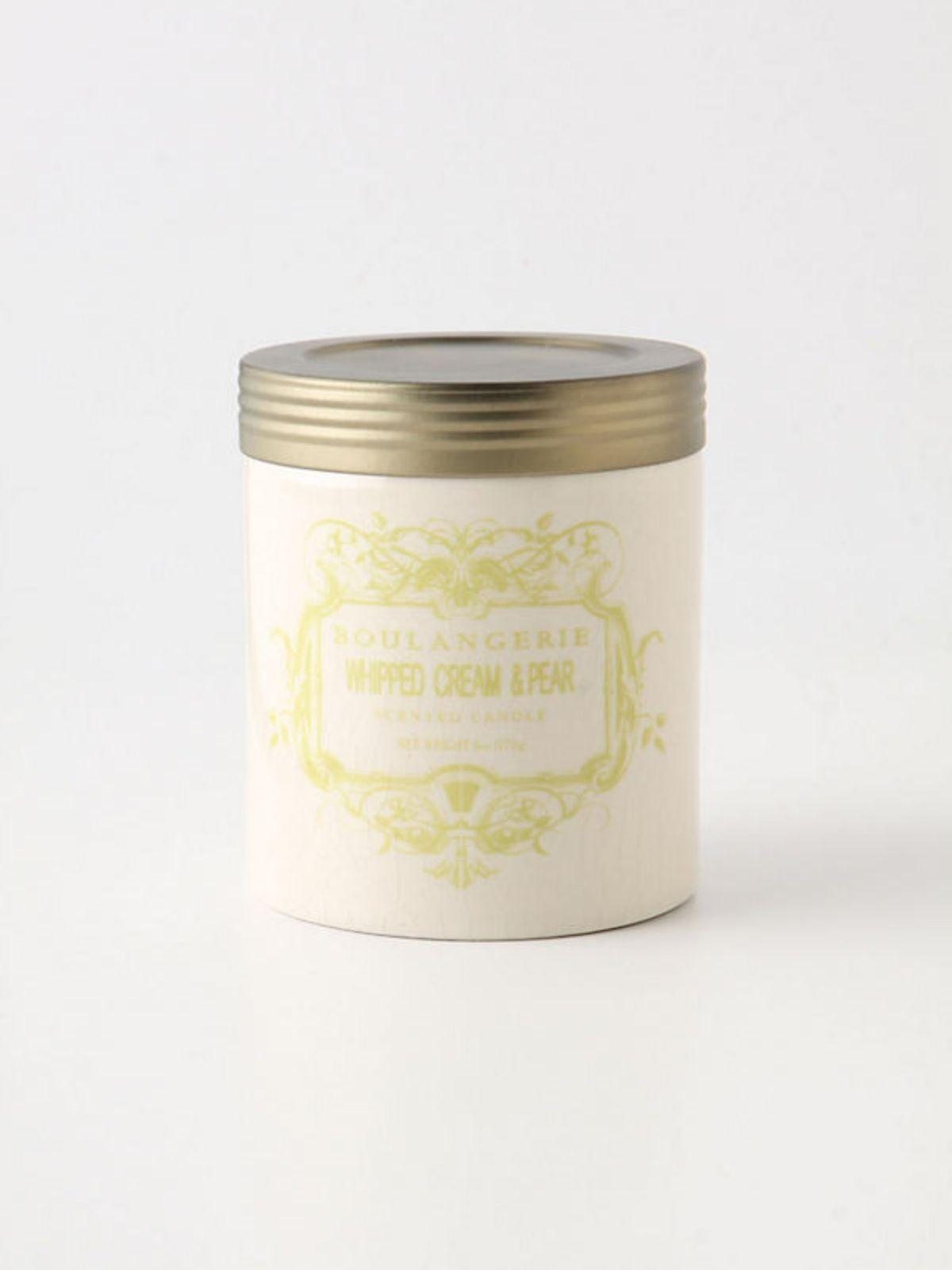 נר ריחני בצנצנת קטנה Whipped Cream & Pearנר ריחני בצנצנת קטנה Whipped Cream & Pear של ANTHROPOLOGIE