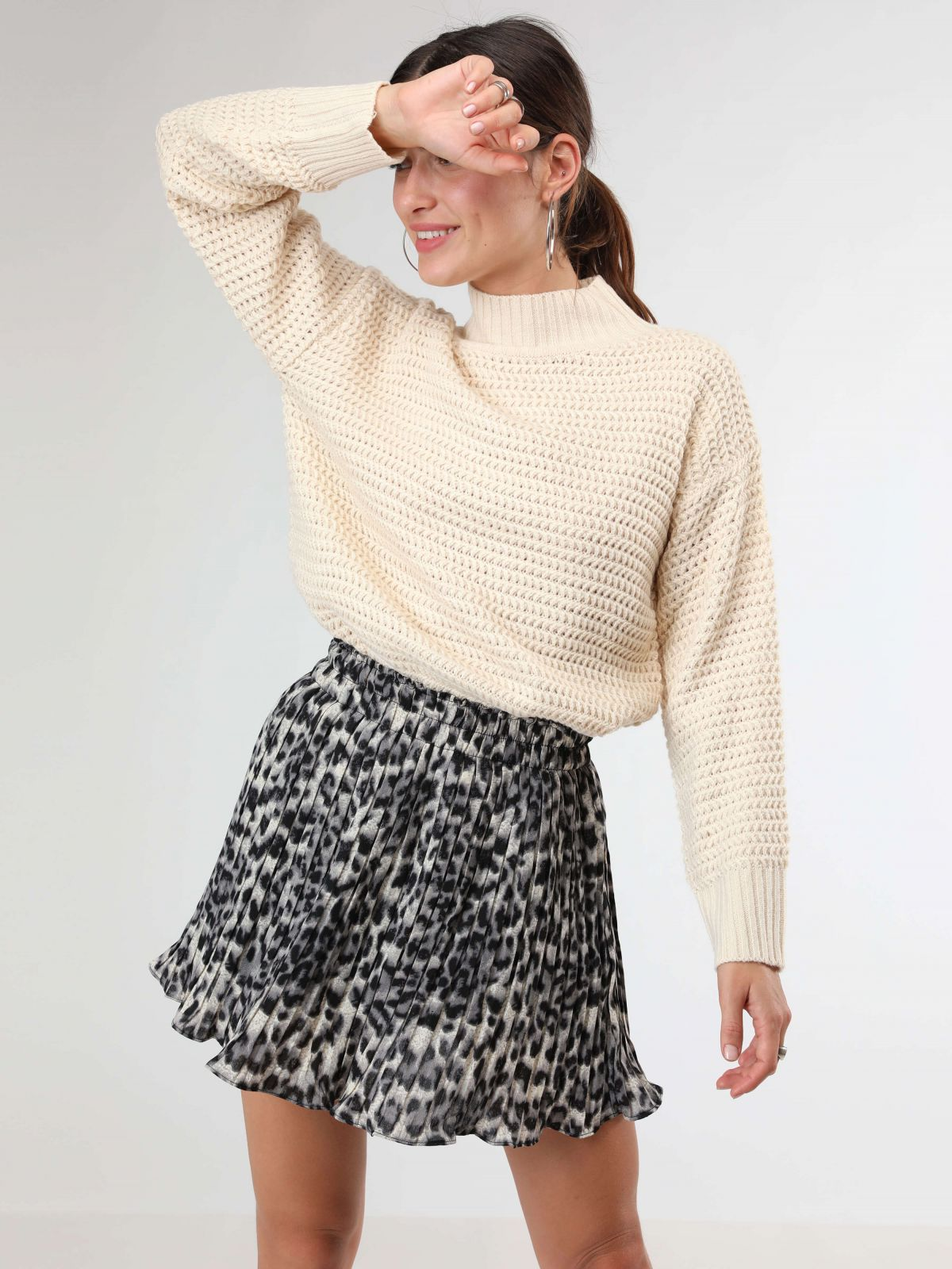 חצאית פליסה מיני בהדפס מנומרחצאית פליסה מיני בהדפס מנומר של TERMINAL X