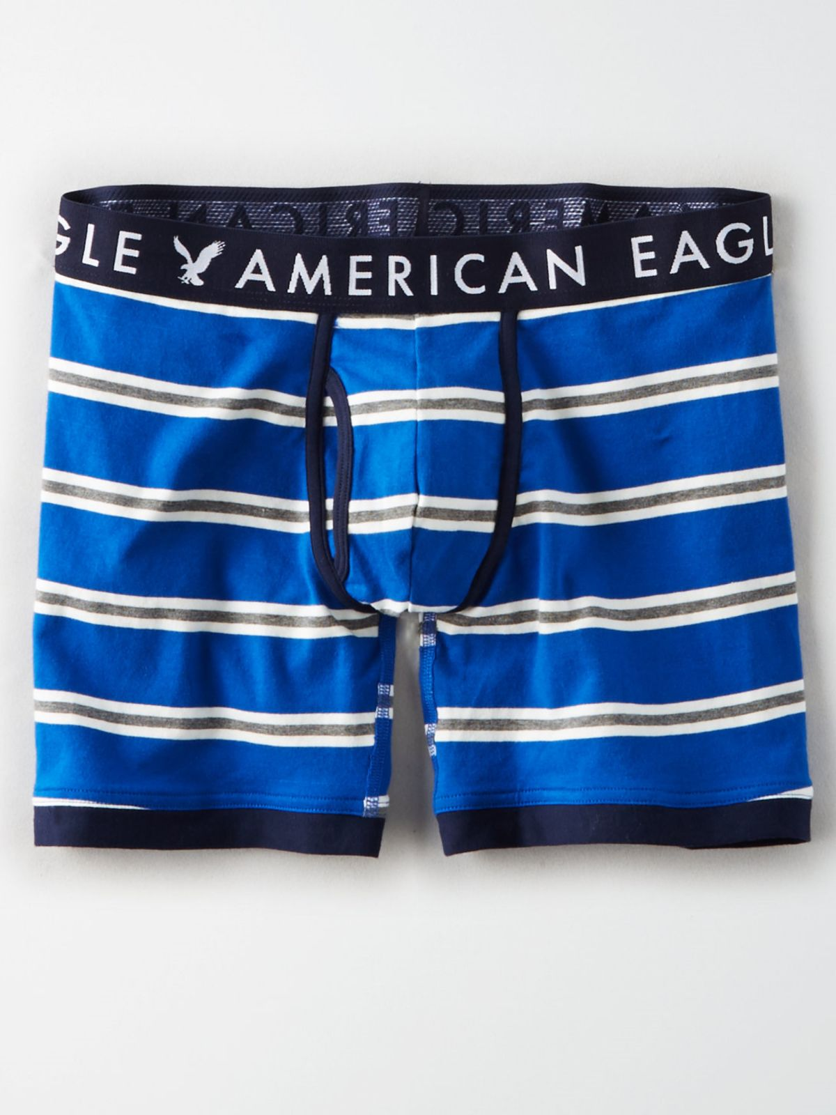 תחתוני בוקסר ג'רסי פסים לוגו / גבריםתחתוני בוקסר ג'רסי פסים לוגו / גברים של AMERICAN EAGLE