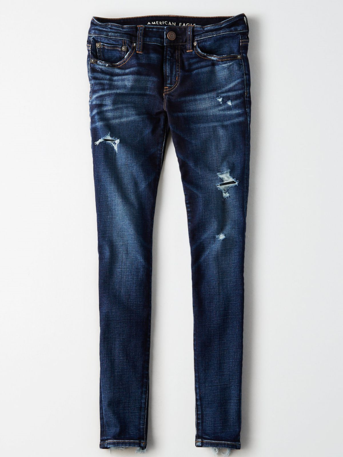 ג'ינס סקיני קרעים עם סיומת פרומה / נשיםג'ינס סקיני קרעים עם סיומת פרומה / נשים של AMERICAN EAGLE