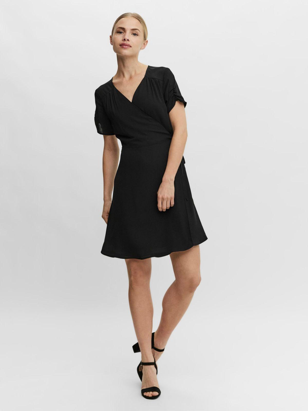 שמלת מיני מעטפתשמלת מיני מעטפת של VERO MODA